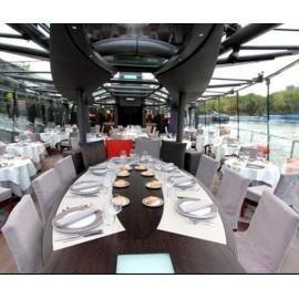 Bateaux parisiens Croisière Dîner 20h30 (en tête du bateau)