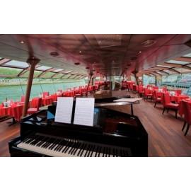 塞纳河游船Bateaux Mouches晚餐尊贵之选 99欧/成人